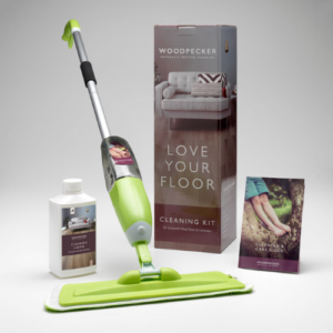 CLEANING KIT FOR LACQUERED LAMINATE FLOORS