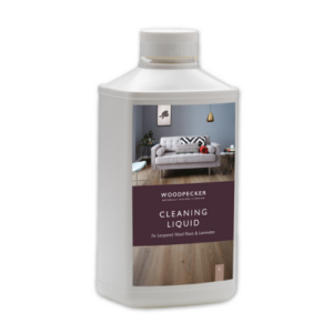 CLEANING LIQUID FOR LACQUERED LAMINATE FLOORS